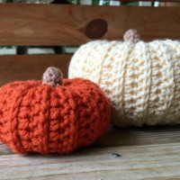 Mini Sweater Style Pumpkin - Free Crochet Pattern