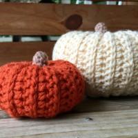 Mini Sweater Style Pumpkin - Free Crochet Pattern