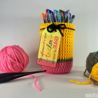 Pencil Mason Jar Cover Teacher Gift- Free Crochet Pattern
