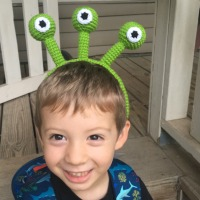 Alien Headband - Free Crochet Pattern
